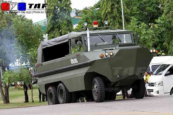 Опытные плавающие автомобили разработки организаций таиландской армии