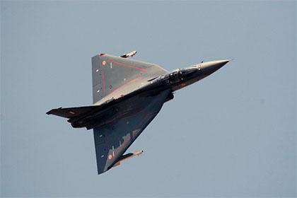 Индийский истребитель Tejas впервые поднялся в воздух