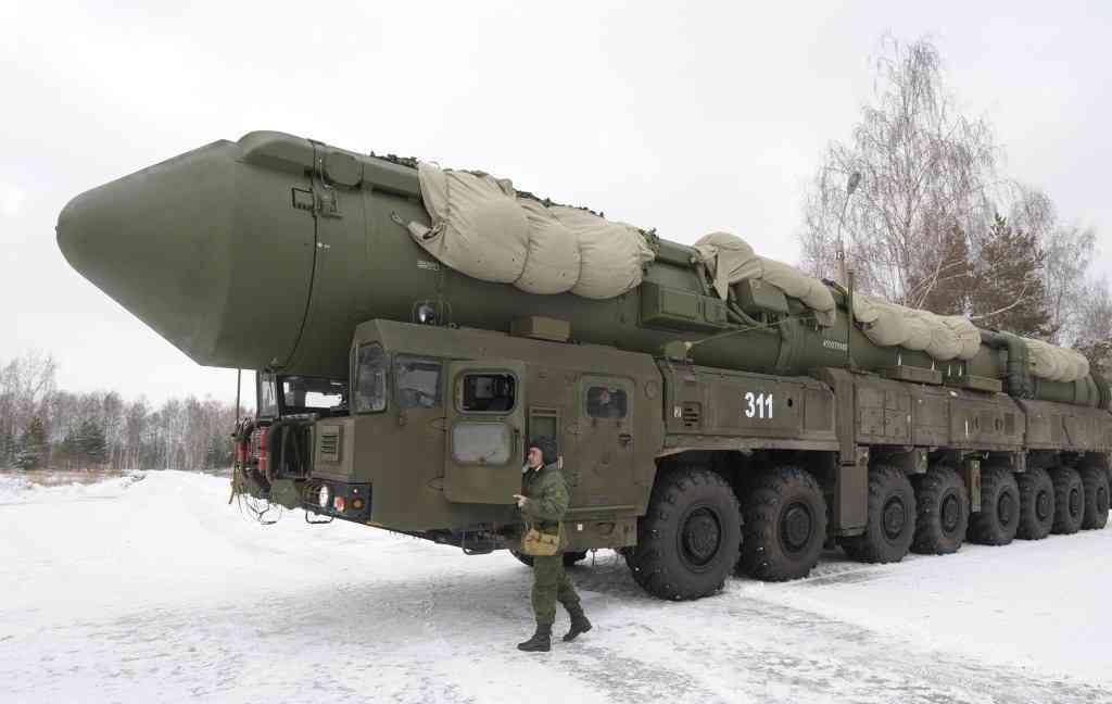 """Перевооружение на ракетные комплексы """"Ярс"""" пройдет в РВСН в 2014 году"""