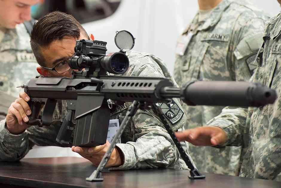 Снайперская винтовка Barrett M107A1 с интегрированным глушителем