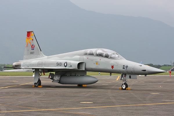 Тайвань закупит новые учебно-боевые самолеты в 2017