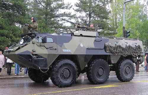 бронетранспортер XA-180