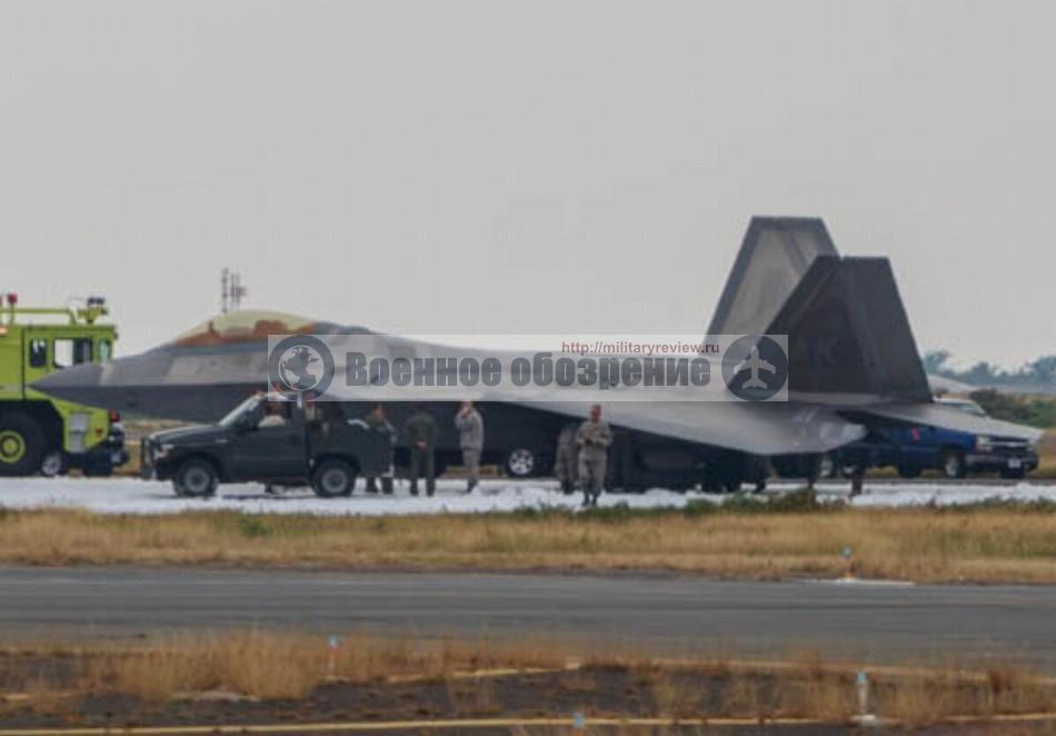 Неудачная посадка F-22