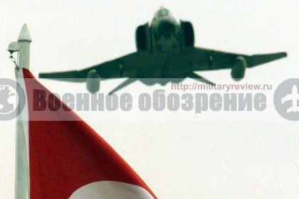 2 военных самолета ВВС Турции разбились во время учений