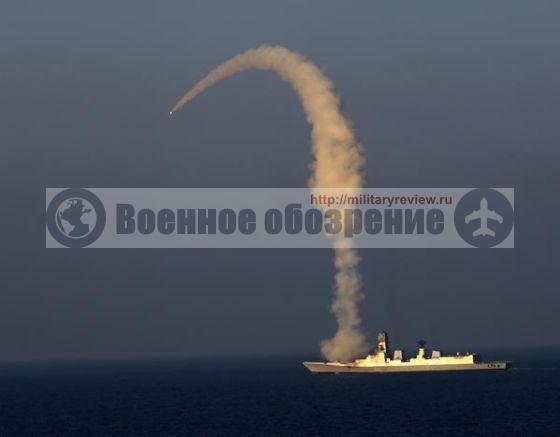 Испытательный пуск сверхзвуковой крылатой ракеты BrahMos с эсминца INS Kolkata