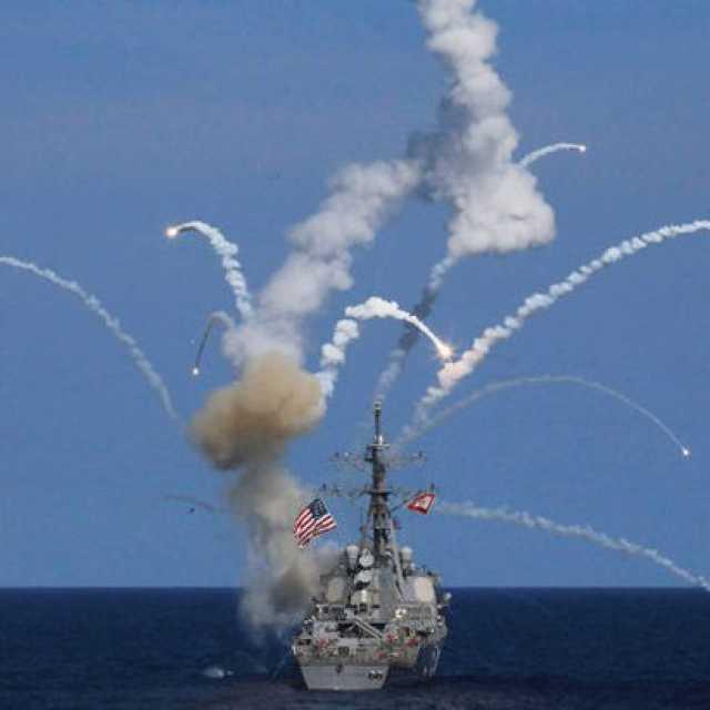 На эсминце США при запуске  взорвалась ракета