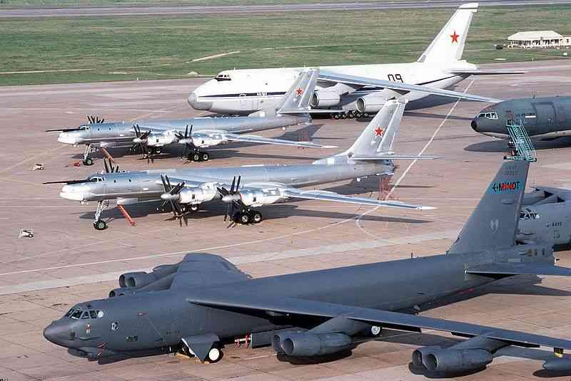 Китай построит 100 бомбардировщиков за 15 лет
