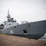Финский минный заградитель (используемый также в качестве эскортного корабля) Uusimaa типа Hämeenmaa после военно-морского парада в Хельсинки 09.07.2015