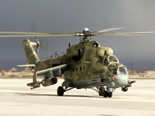 Вертолет Ми-24 совершил жесткую посадку в Смоленской области