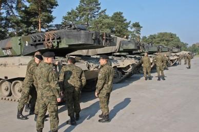 В Польше во время военных учений загорелся танк Leopard 2A4