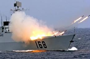 Китай стягивает военные корабли к берегам США