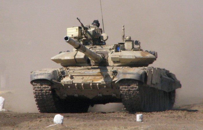 Мотострелки ЮВО научились водить танк на глубине 5 метров