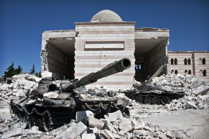 Представитель президента РФ подтвердил присутствие российских военных специалистов в Сирии
