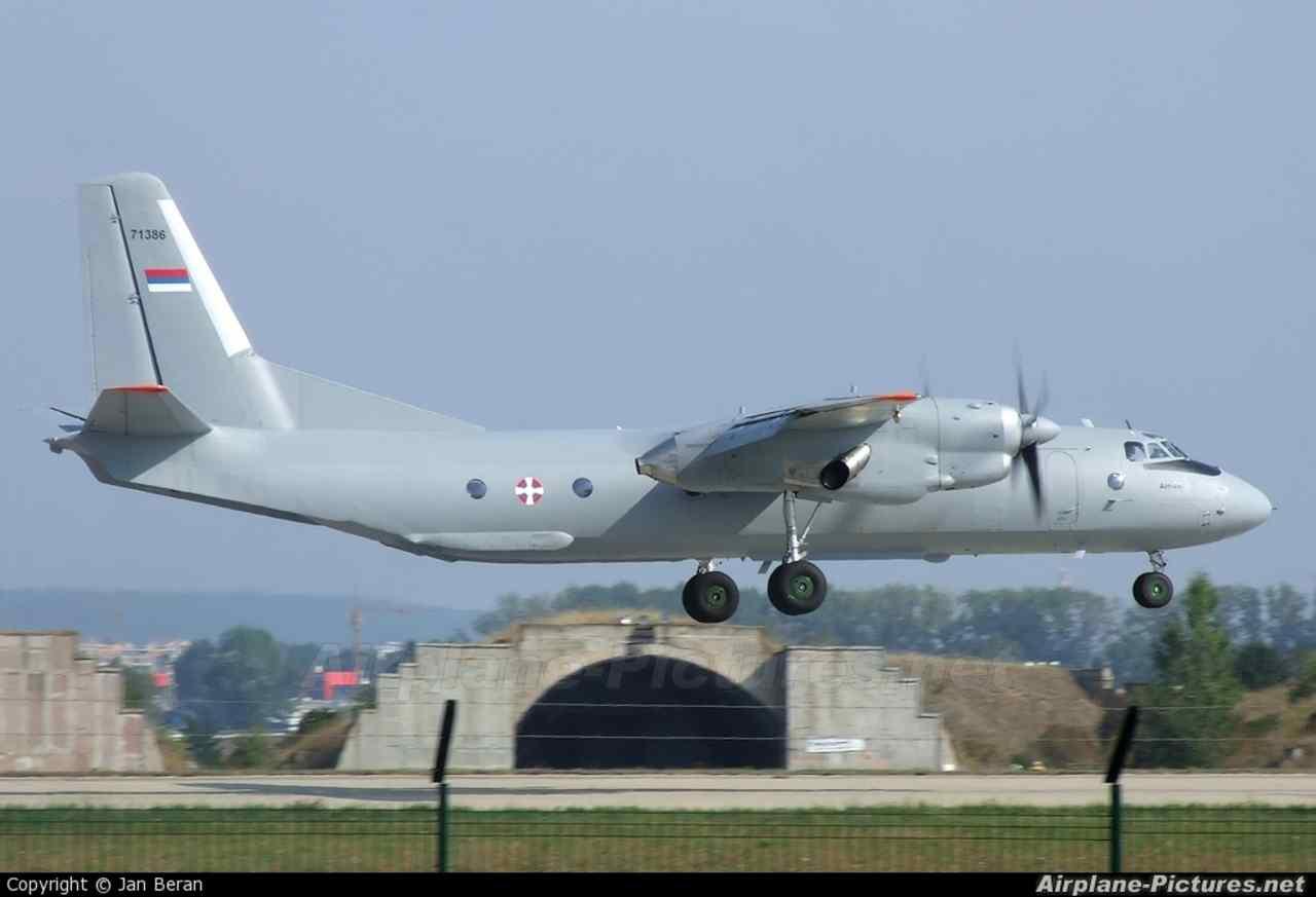 Сербия ищет партнеров для проведения ремонта своих самолетов Ан-26
