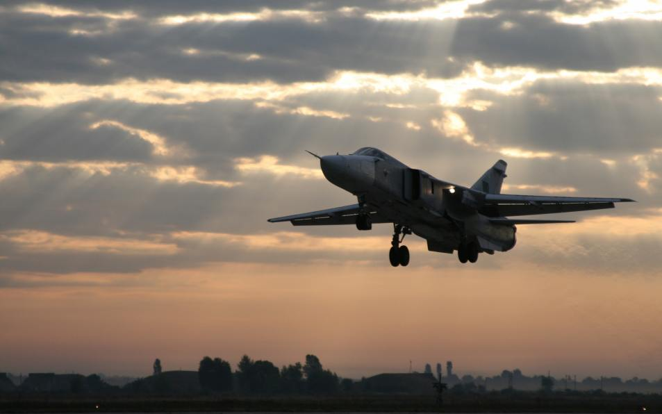 Экипажи Су-24М ЦВО приземлились в абсолютной темноте