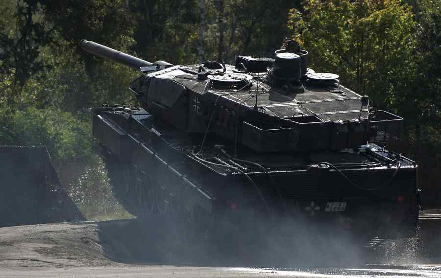 танк Германии Leopard 2