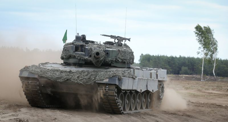 Германия отправила в Катар бронетехнику