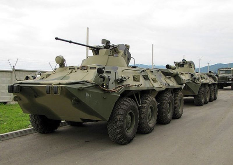На военную базу в Абхазии прибыли новые БТР-82АМ
