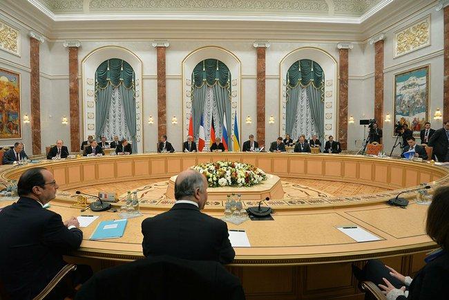 Президенты четырех стран обсуждают ситуацию на Украине в третий раз
