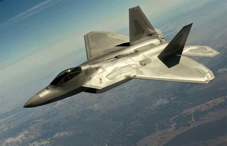 США отправили к границам Сирии истребители F-22 Raptor