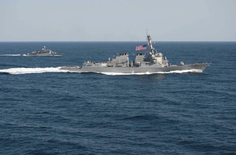 США посылает военный корабль в воды, которые Китай считает своими
