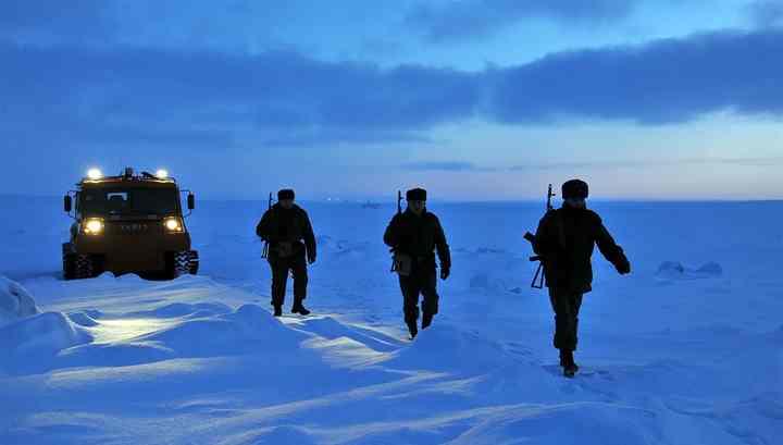 Учения ВДВ в Арктике станут ежегодными