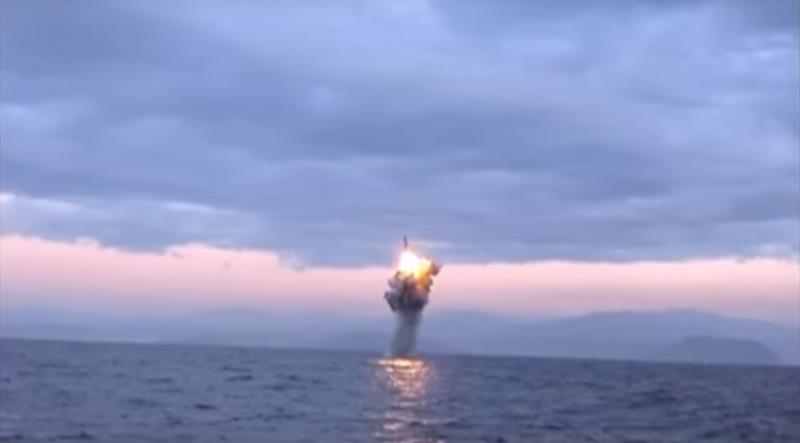 Испытания баллистической ракеты морского базирования в КНДР