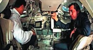 Размещение механика-водителя (слева) и командира машины