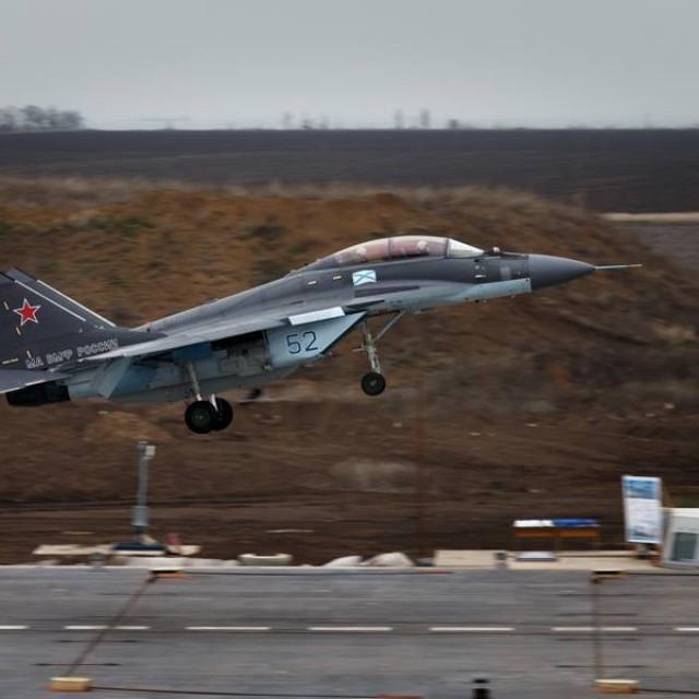 Новые российские корабельные истребители МиГ-29КУБР приступили к полетам в Ейске
