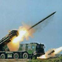 Сирийская армия применяет тяжелые залповые системы «Смерч» при наступлении под Пальмирой