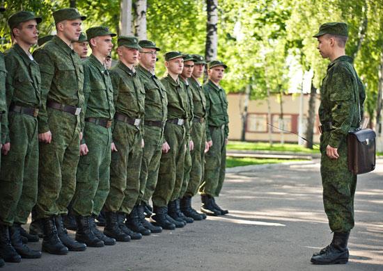Студентам вузов без военной кафедры предложат учиться прямо в войсковых частях