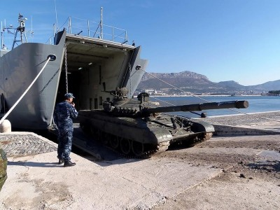 В Хорватии прошли учения по отработке десантирования военной техники с десантных кораблей