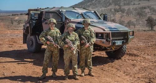 Австралийский бронеавтомобиль Hawkei PMV продолжает активную фазу испытаний