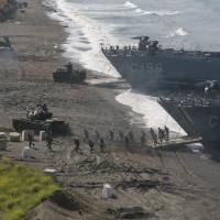 ВМС Турции провели масштабные учения по отработке высадки десанта на неподготовленное побережье