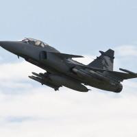 Вьетнам может купить 12 новых истребителей Gripen или Rafale