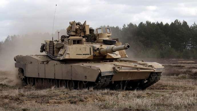 В Эстонию перебрасывают 10 американских танков Abrams