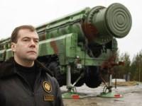 """НАТО считает заявления РФ о """"холодной войне"""" угрожающими"""
