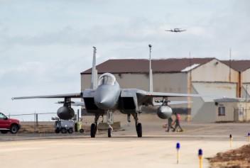 США развернули истребители F-15 на базе в Исландии