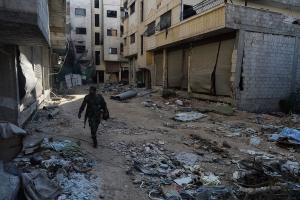 В Сирии 14 поселений под Дамаском перешли под полный контроль правительственной армии: у сдавшихся боевиков обнаружено американское оружие