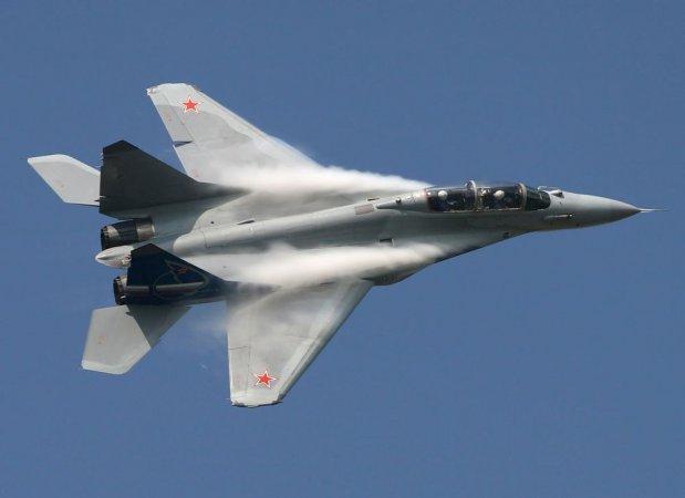 Москва и Абу-Даби договорились о совместной работе над легким истребителем пятого поколения