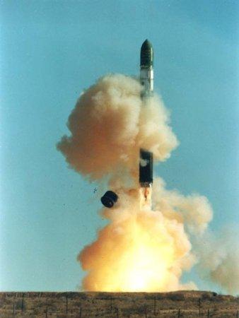Тегеран подтвердил факт испытаний баллистической ракеты средней дальности